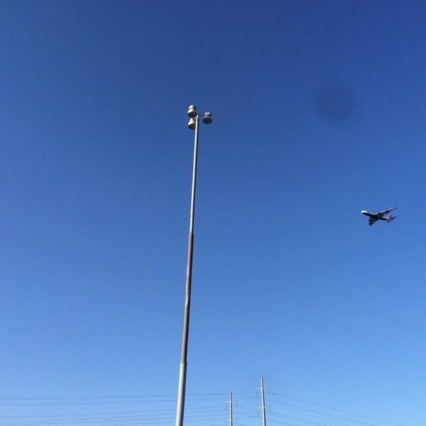 BA289 Landing in a beautiful clear sky in Arizona